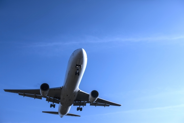 飛行機で世界へ!